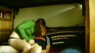 college kid with monster cock videotapes his girlfriend riding him