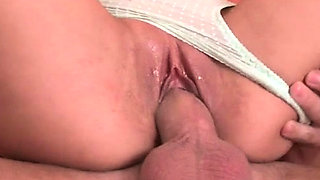 Topnotch minx Sweety craves for oral pleasure
