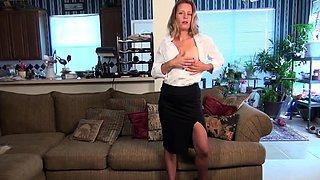 American housewife fingering herself