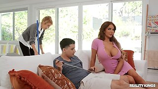 Nicolette Shea And Ricky Spanish In Granny Catches Ricky Pounding Nicolette Shae!