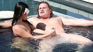 Sweet Thai slut Cindy Starfall makes love with kinky white couple in pool