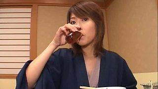 Nana Natsume Turns into a Voyeur Slut Once She's Drunk