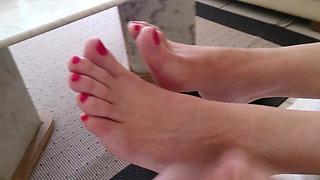 Feet cum