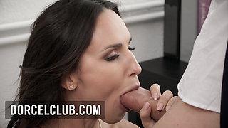 Hot secretary Lilu Moon, sex with her boss