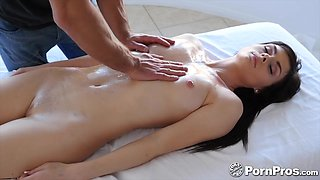 Handsome man oils up pretty babe Haven Rae and fucks wet punani