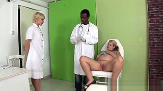Ebony Doctor Handling A Pregnant Womans Pussy