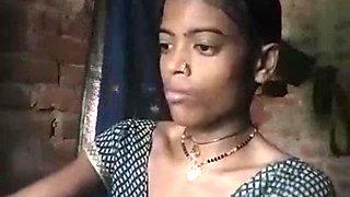 Village Bhabhi Wearing Cloths after Bthing