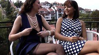 Glamour milf fingered by ebony babe