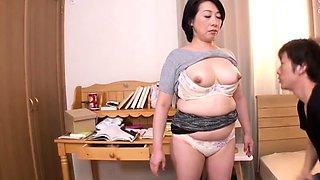 Japanese milf likes public blowjob