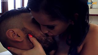 BEAUTIFUL KISSING