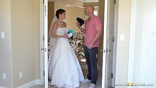 Perverted bride Jenni Lee gets her pussy fucked by handsome photographer Johnny Sins