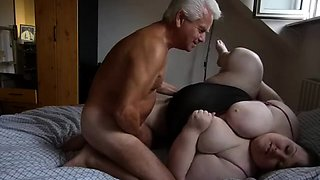 Fat mature wife gets treated to a deep pounding on the bed