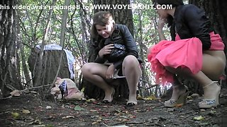 Voyeur sees bridesmaids peeing and films them with his cam