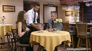 Babe cheats on her boyfriend with the bar waiter