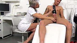 Czech milf doctor Beate mom boy hospital hj with cum on tits