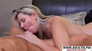 Sexy new mama velvet skye suck good young step son