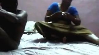 Desi indian aunty fun with servent secretly in hotel.