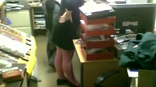 Colleagues fuck in the office during working hours !!!