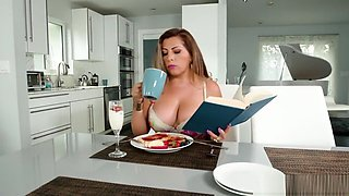 Extra thick Latina housewife loves her coffee with cum
