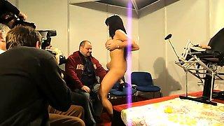 Voluptuous pornstar in high heels works her magic on a dick