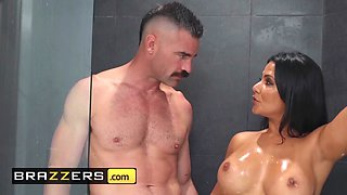 Brazzers Real Wife Stories Rose Monroe Charles Dera Sneaking and Freaking In The Shower