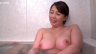 Barely Legal Japanese Teen 拾う Exposure & Masturbation At Public 1351
