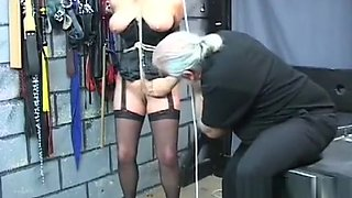 Hot gal is masturbating just for fun