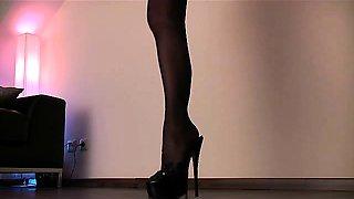 0007- Legs  Heels to Worship