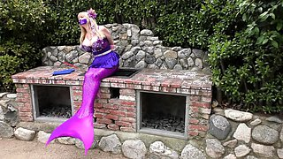 Enticing mermaid with big tits gets restrained and abandoned