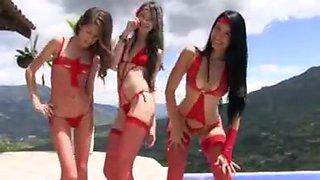 Bikini hot 27