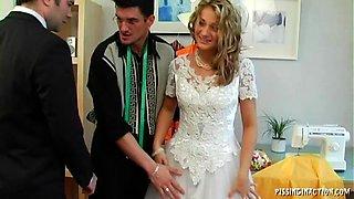 Blonde bride enjoys a hardcore pissing fetish foursome