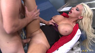 Pussy and ass fucking between a large dick guy and doctor Holly Brooks