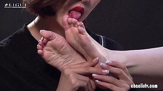 Chinese foot fetishism lesbian milf