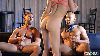 MMF threesome with spit-roast for skinny girlfriend Evelyn Claire