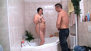 Wet plumper therapy in the bathroom