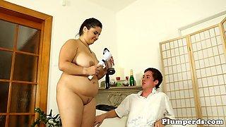 BBW cougar seduces younger guy
