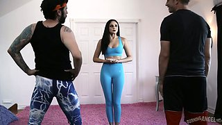 Sexy yoga instructor Ariana Marie gets double penetrated during workout