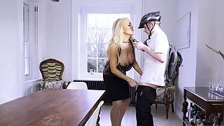Pregnant anal and nerd gets blonde first time Having Her Way
