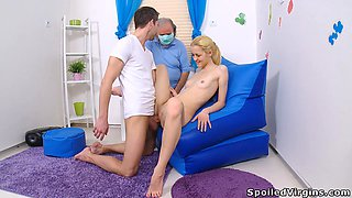 Skinny blonde Czech girl with no tits Cindy Shine blows cock in front of doctor