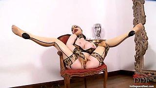 Freaky deaky Latex Lucy posing