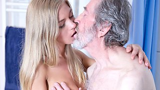 Old Man Fucked Young Blonde Teen Blowjob Doggystyle and Cums