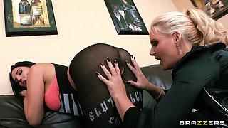 Lesbians Loves Rimjobs At Work