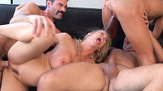Swinger squirters have multiple orgasms in this partner swap