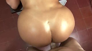 Curvy Latina secretary gets nailed in all holes well