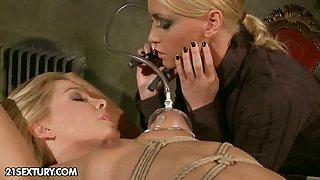 Audiency at Mistress Kathia - part 1