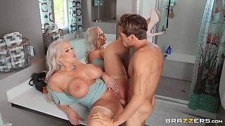 Draining the plumber&#039s cock
