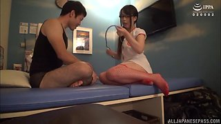Japanese hottie Akiyoshi Kanon knows what her friend likes the most